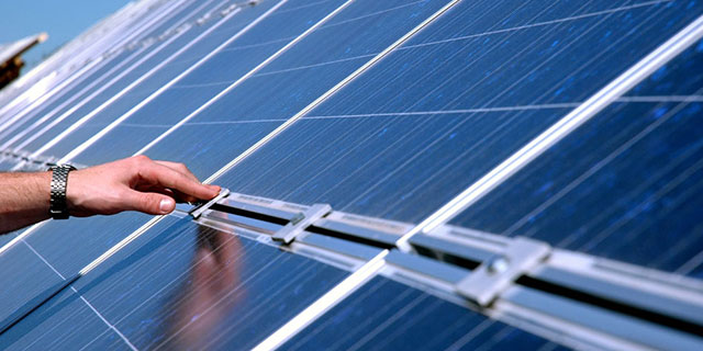 Landpower 1 1MW East-West flat roof solar mounting